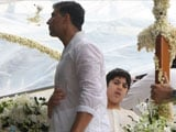 From father to son, Akshay Kumar wants to give 'Khiladi' title to Aarav in future