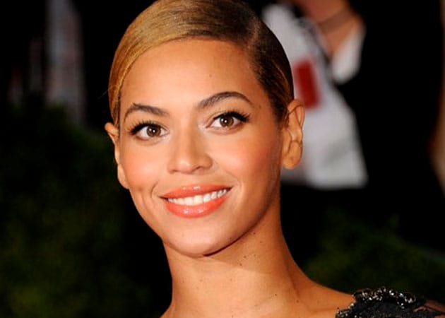 Beyonce to headline 2013 Super Bowl halftime show