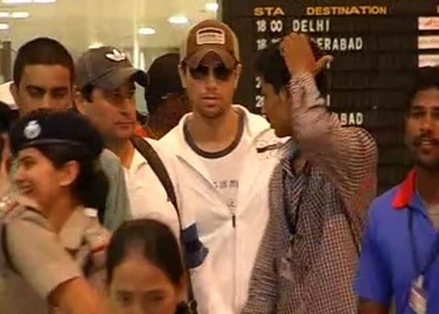 Enrique makes his audience's night in Gurgaon