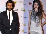 Anushka Sharma takes pains to avoid Ranveer Singh at Filmfare nominations