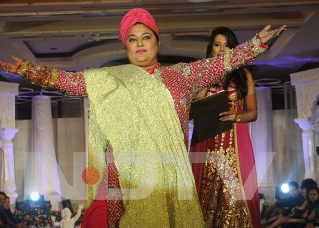 Actress Dolly Bindra files complaint about threatening phone calls