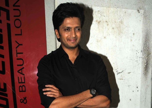 Actor Riteish Deshmukh completes a decade, turns producer