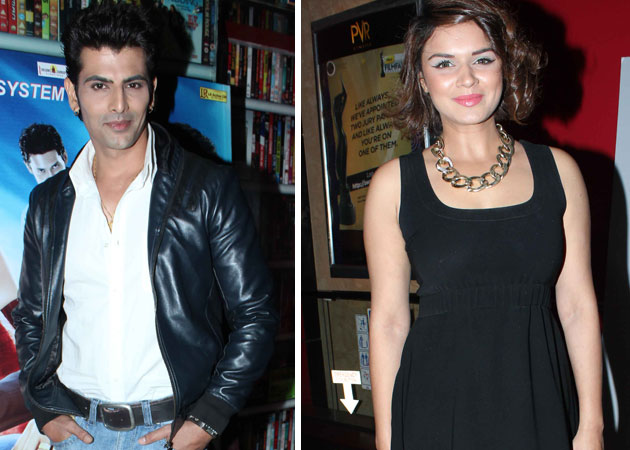 Rumours of break-up with Aashka Goradia not true: Rohit Bakshi