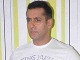 No groupism in Bollywood, says Salman Khan
