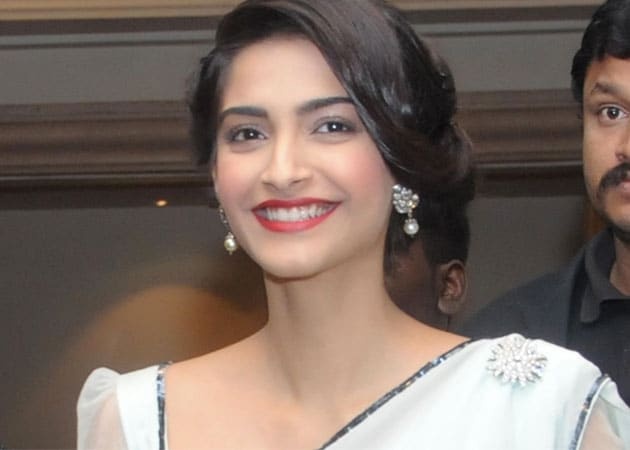 Sonam Kapoor bonds with students at JNU