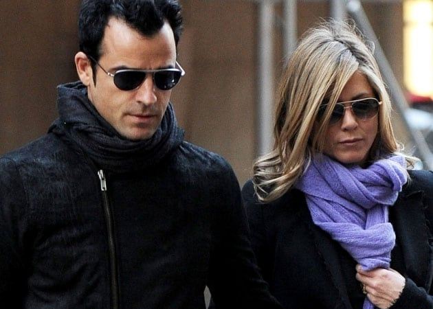 Jennifer Aniston, Justin Theroux enroll in 'marriage boot camp'