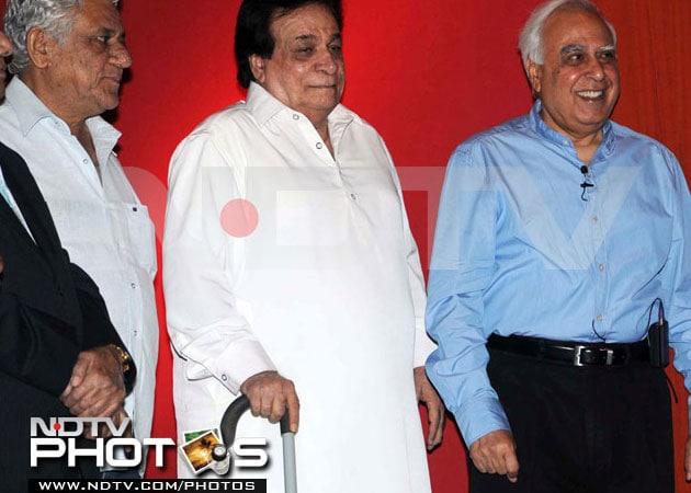 Kader Khan fine, upset with death rumours