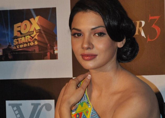 Pakistani actress Sara Loren's Indian connect