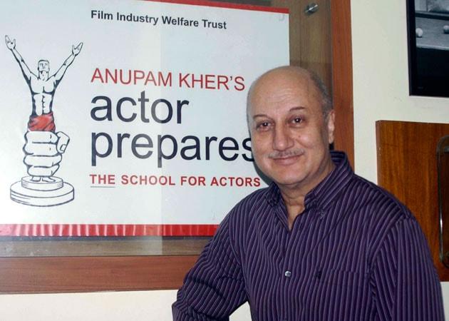 Anupam Kher receives UK's top Asian award