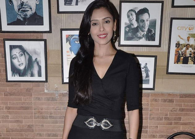 Hrishitaa Bhatt: Fine for old actors to work with young actresses