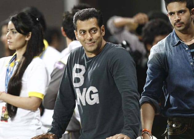 Salman Khan and Daisy Shah, start of a new friendship?