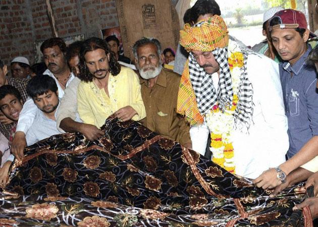 Sanjay Dutt visits Dargah in Madhya Pradesh