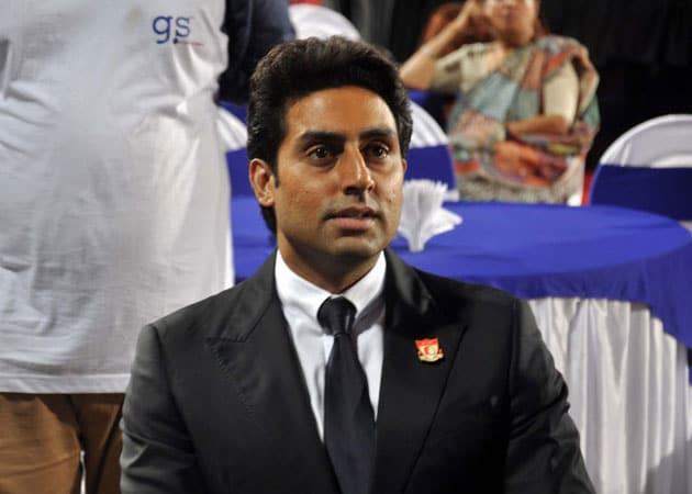 Abhishek Bachchan sees Indian football team in FIFA finals