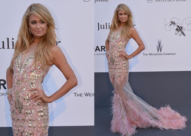 Paris Hilton flaunts Indian designers' creation