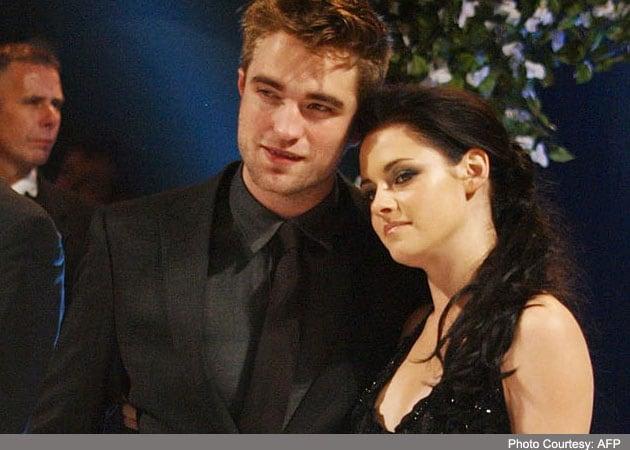 Robert Pattinson finds texts to Kristen Stewart from Rupert Sanders