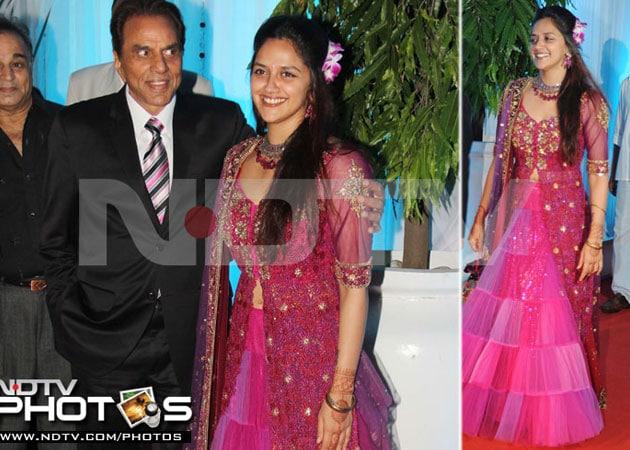 Hema Malini, Dharmendra's younger daughter Ahana engaged