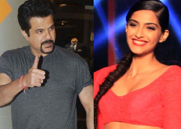 Proud daddy Anil Kapoor throws success party for Sonam's Raanjhanaa