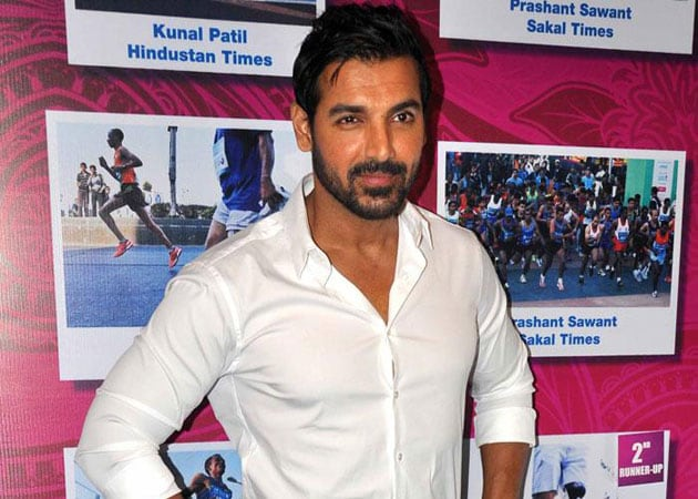 John Abraham partners with former champion to promote boxing in India