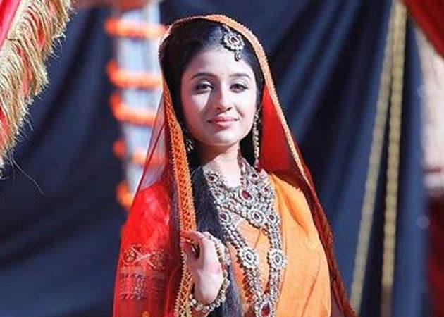 Smilie Suri hopes to break girl-next-door image with Jodhaa Akbar