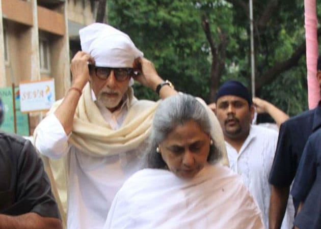 Amitabh Bachchan, Dilip Kumar attend Pran's chautha