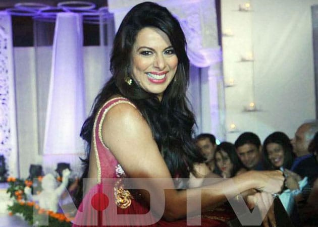 Pooja Bedi set to host a reality show on television