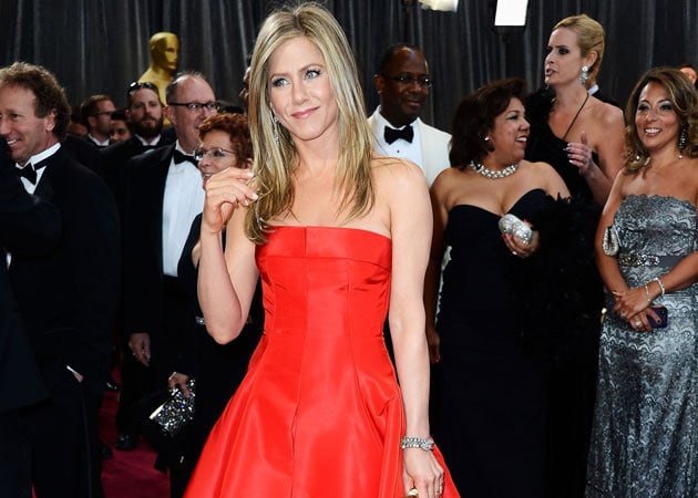 Jennifer Aniston in no rush to get married