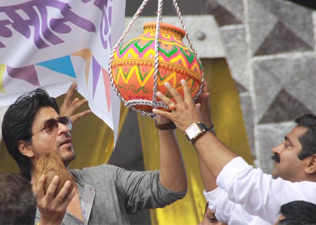 Shah Rukh Khan's dahi handi revelry