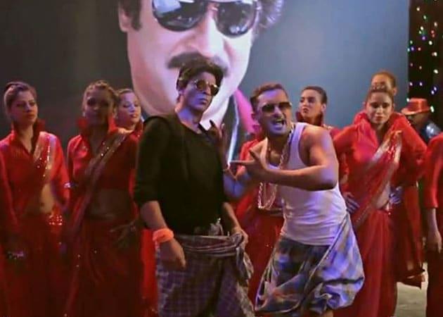 Shah Rukh Khan: Rajinikanth likes 'naughty' Lungi Dance