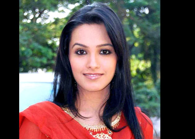 Anita Hassanandani: Playing a superstar is exciting