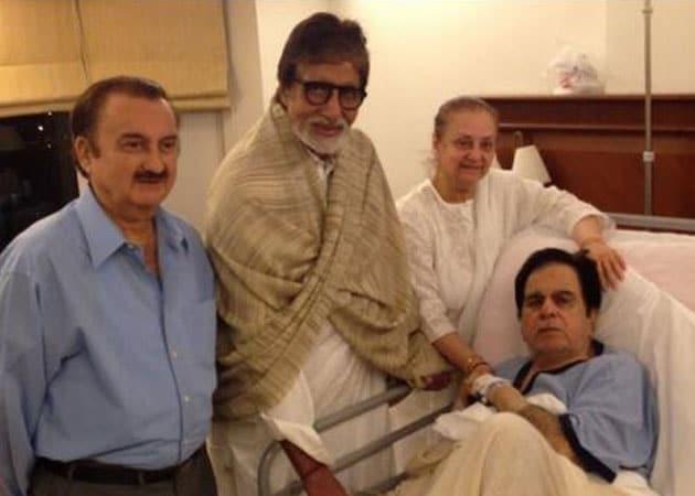 Amitabh Bachchan visits Dilip Kumar in hospital