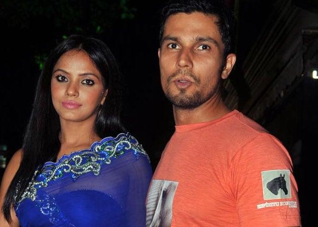 Former lovers Neetu Chandra, Randeep Hooda still 'good friends'?