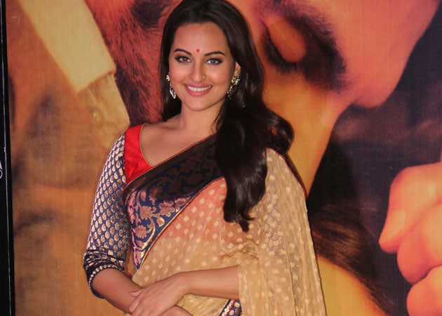 Sonakshi Sinha takes canine help to bust stress