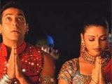 Salman, Aishwarya's <i>Dholi Taro..</i> tops Bollywood songs this Navratri