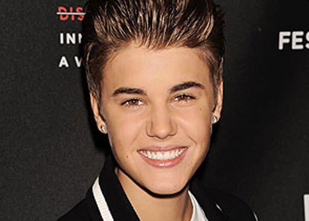 Justin Bieber helps build school in Guatemala
