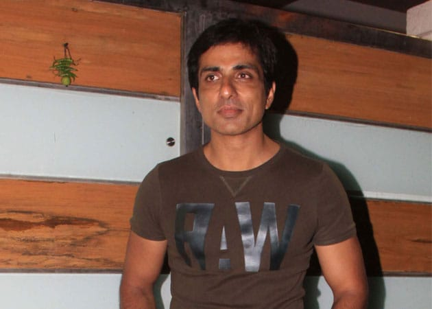 Sonu Sood excited to resume Happy New Year shoot
