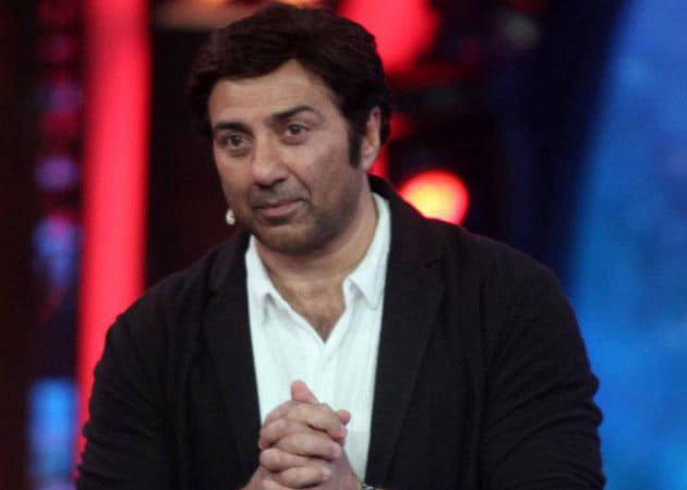 Sunny Deol hunting for a good subject for his son's launch