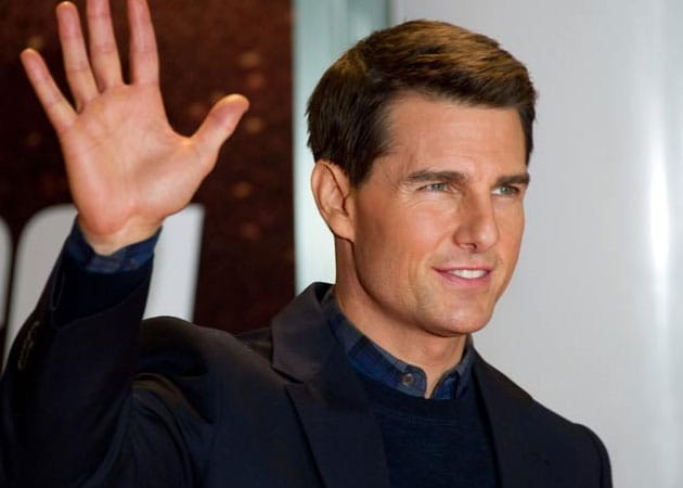 Tom Cruise sues magazines over Suri headline