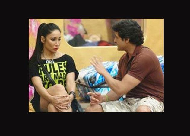 Actress Sofia Hayat files complaint  against fellow Bigg Boss contestant