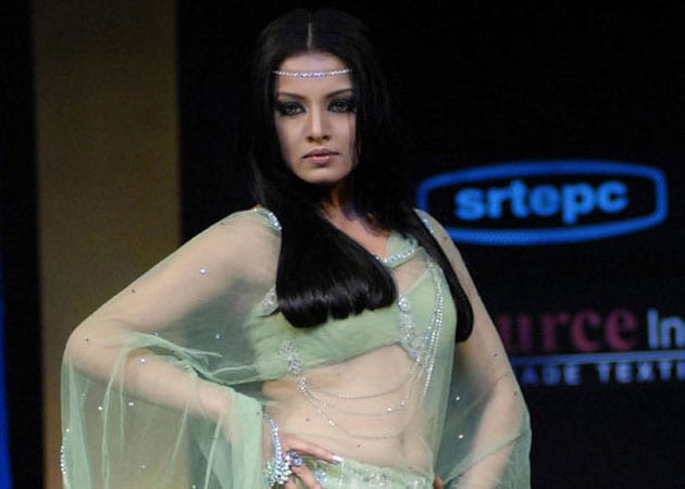 Celina Jaitley disappointed with Supreme Court's refusal to review gay ruling
