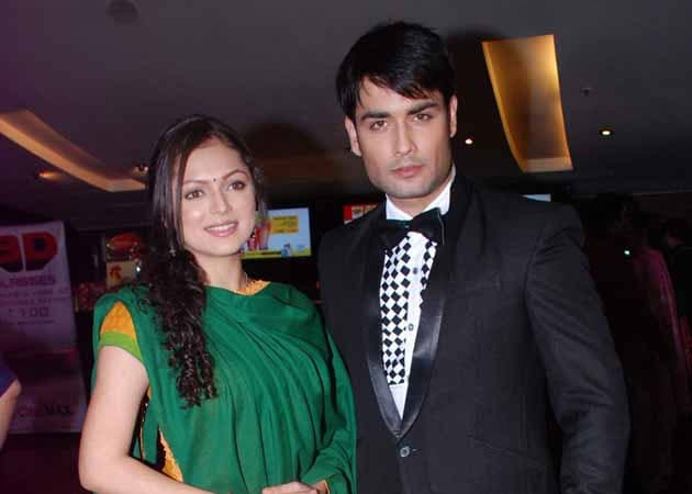 TV show Madhubala to take leap, Vivian D'Sena quits