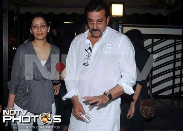 Sanjay Dutt's wife Maanyata admitted to hospital for tests