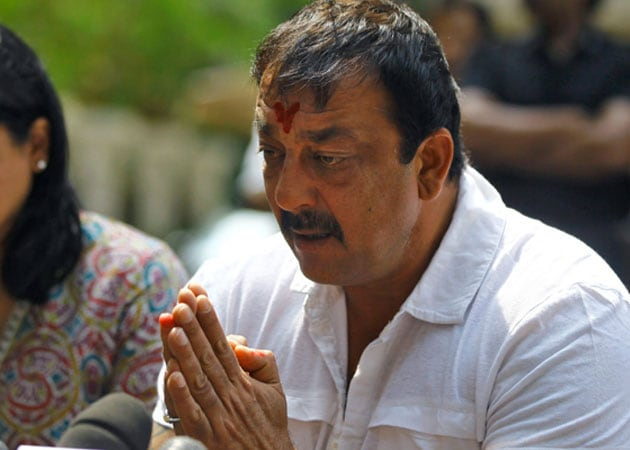Sanjay Dutt gets another extension in parole