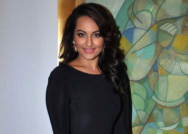 Sonakshi Sinha: Would love to portray Madhubala or Meena Kumari