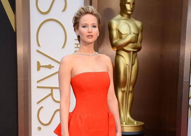 Oscars 2014: Red Carpet becomes a sea of selfies