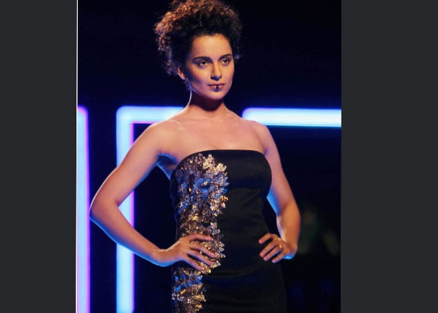 Kangana Ranaut's oops moment on ramp at Wills Lifestyle India Fashion Week grand finale