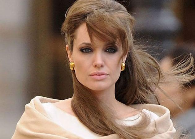 Angelina Jolie Still Friends With Ex-Husband Jonny Lee Miller