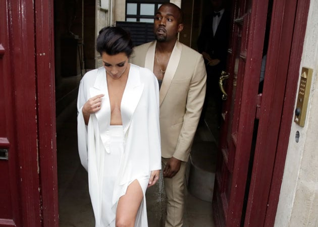 Kim Kardashian, Kanye West Begin Irish Honeymoon
