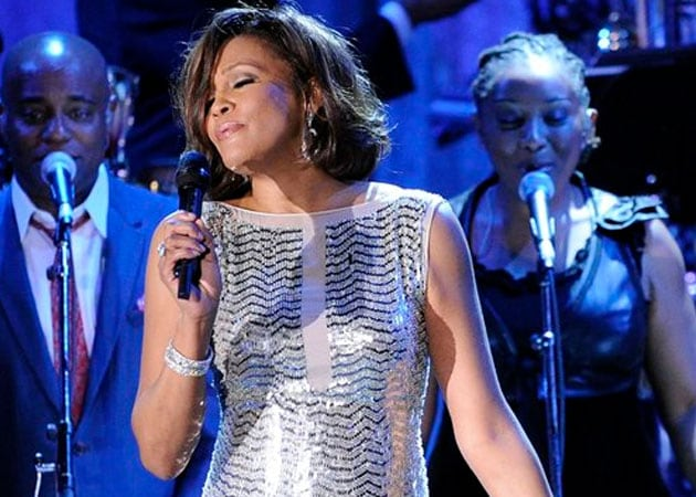 Whitney Houston's Biopic to be Directed by Angela Bassett