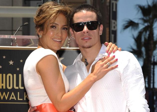 Jennifer Lopez Lets Casper Smart Keep Gifts From Her