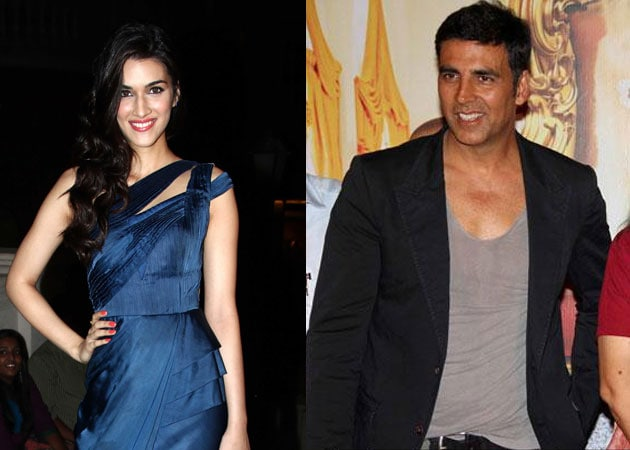 Kriti Sanon Replaces Kareena Kapoor as Akshay Kumar's Heroine